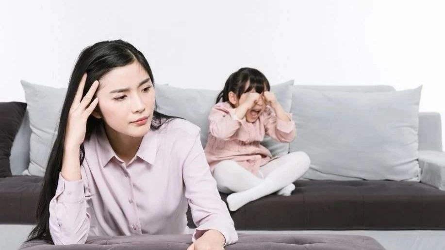 原创娃到了3岁就要立规矩了,发脾气是下策没效果,上策父母却不愿做
