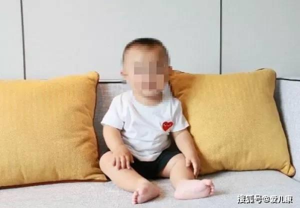 饭后摔一跤,1岁宝宝窒息死亡!这个关键时刻能救命的方法,你必须要学会!
