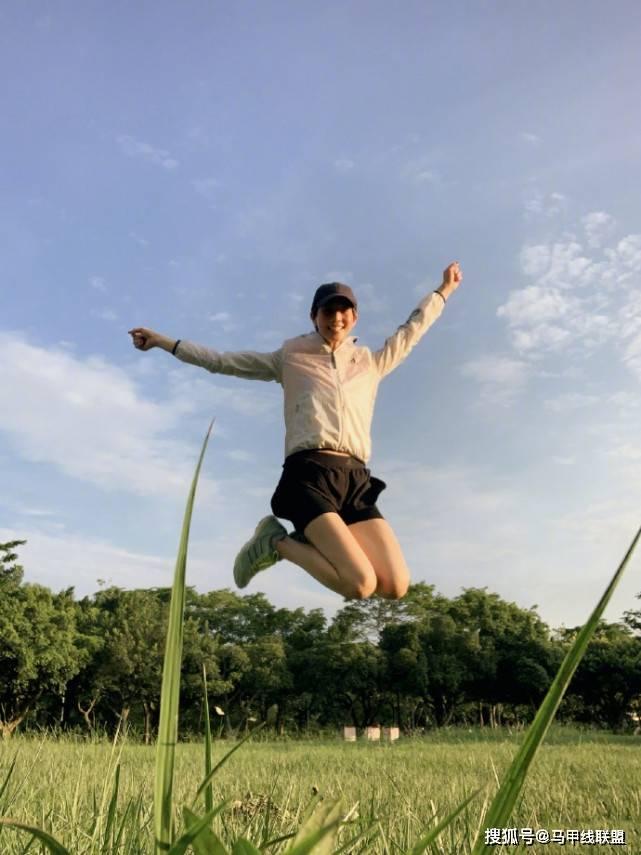 """38岁张钧甯坚持健身多年,保持着""""冻龄""""身材,抗衰老离不开运动"""