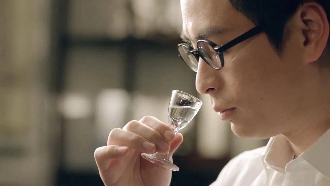 原创喝白酒抗癌、活血、御寒?喝白酒的5大注意事项,转给爱喝酒的人