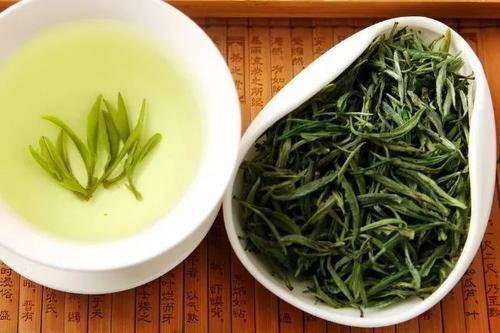 """绿茶是""""抗癌药"""",还能抗衰老?绿茶4个说法营养师一次性说清楚"""