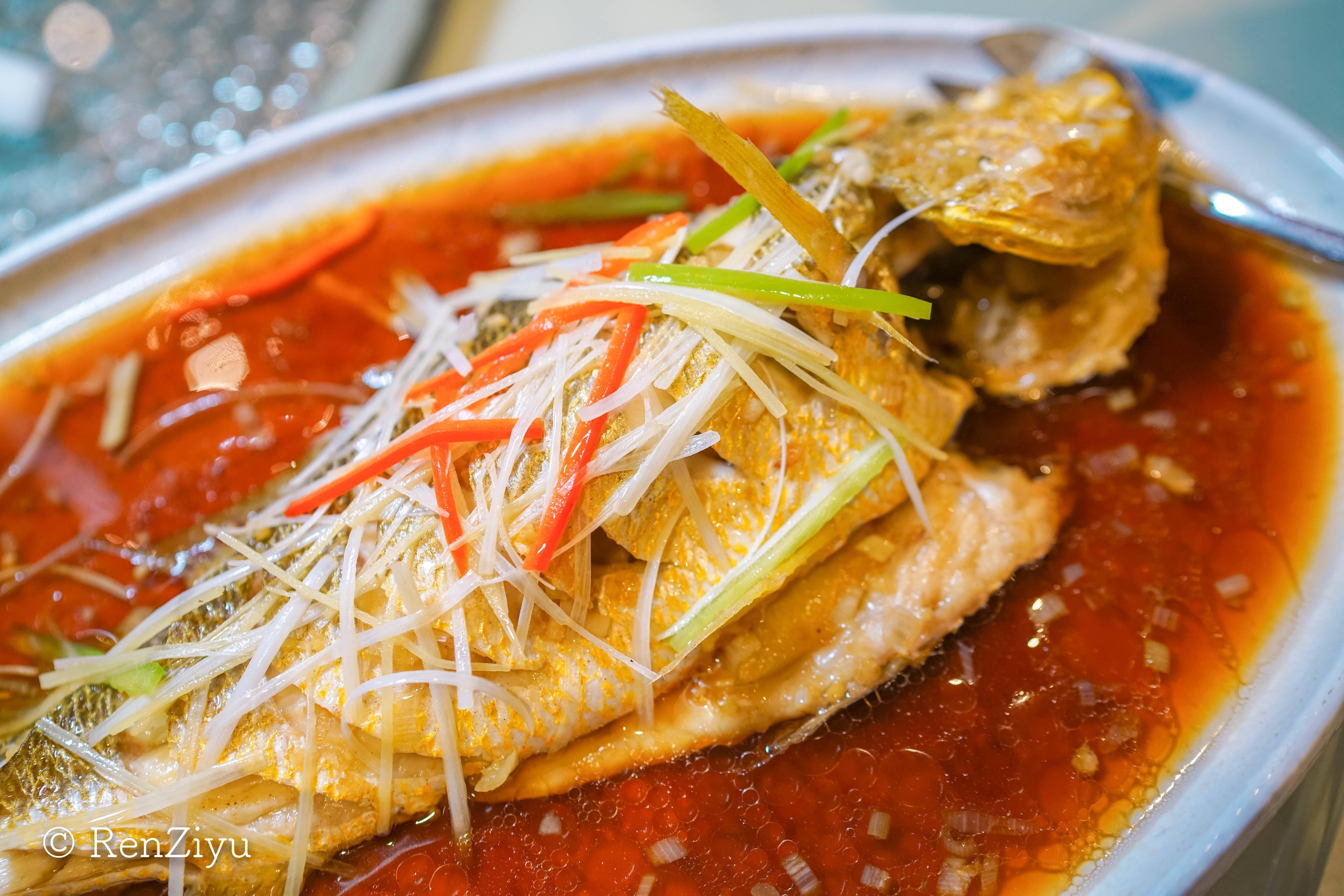 原创             北京人喜欢的北京菜,来泰合小馆,吃全北京第二的传承肘子卷饼