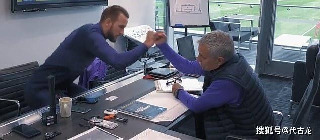 原创             打鸡血也没用!穆里尼奥带热刺一无所有,他的足球哲学已落伍