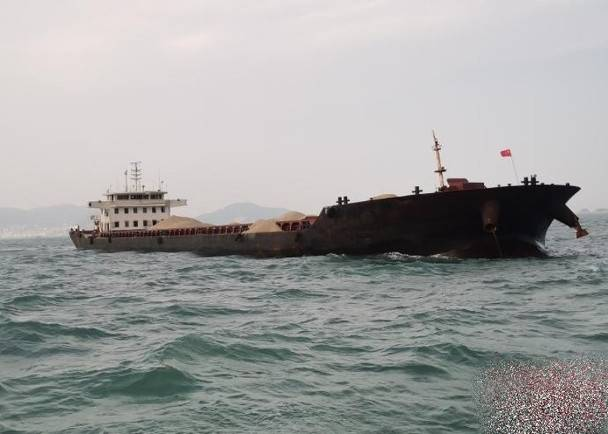 福建福州海警破获非法采矿案 缴获海砂1万吨