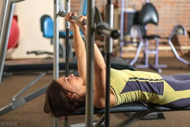 健身时,加入这2个训练动作,让你事半功倍!