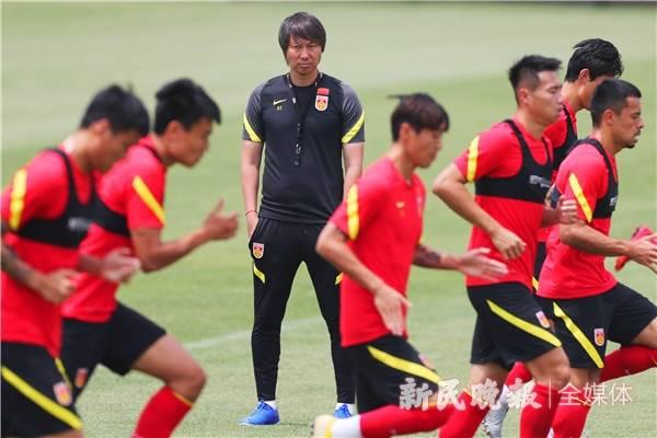 国足短期集训多名新人或入选 阿兰费南多均有望在列