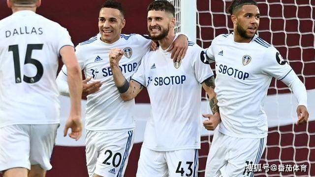 原创             「英超」萨拉赫帽子戏法 利物浦4比3险胜利兹联