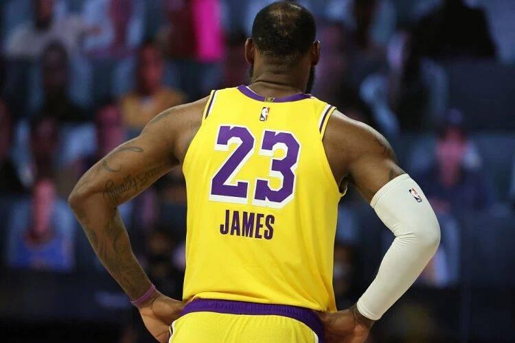 原创             深度分析:如果詹姆斯带领湖人在今年夺冠,那他能在队史排第几?
