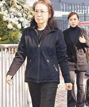 霍启刚千字长文惦记奶奶,吕燕妮终身低调哑忍,却成为了权门大赢家(图3)