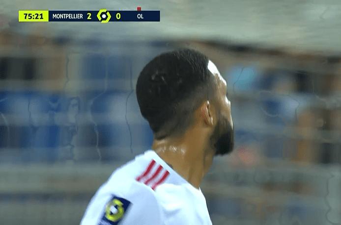 上半场第38分钟萨瓦尼耶通过点球先下一
