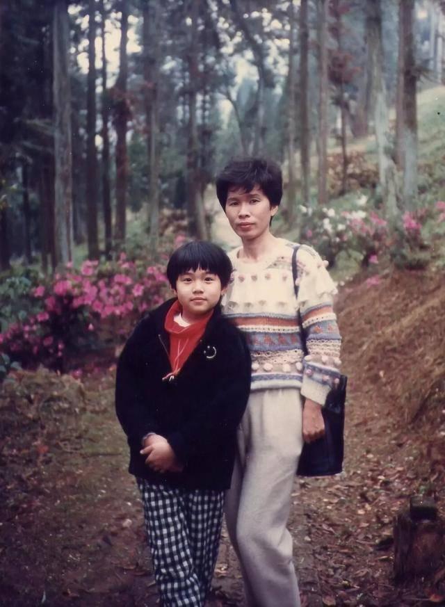 原创             周杰伦昆凌送儿女上国际贵族学校,被曝一年学费高达30多万