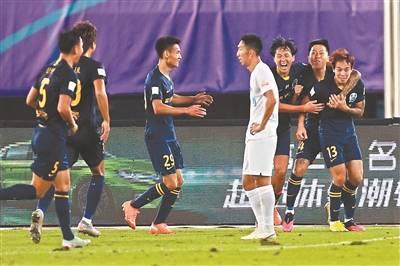 中超第12轮,广州富力以1比0战胜大连人
