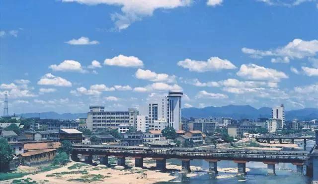 """永康人均gdp_金华""""被看好""""的县级市,人均GDP超八万,经济远超东阳"""