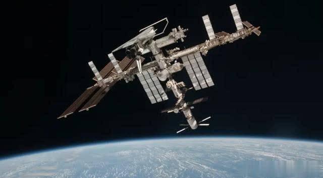 为什么宇宙飞船这么容易生锈?正是由于这些因素,加速了航天器的腐蚀过程。