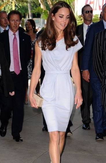 """凯特王妃穿""""连衣裙""""真惊艳!充满时尚感和优雅气质,很女神范儿"""