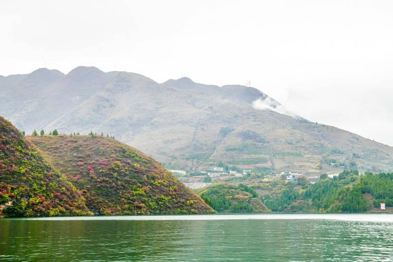 原创             长江两岸风景奇美,但这样秀丽别致的巫山小三峡,你也许没见过!