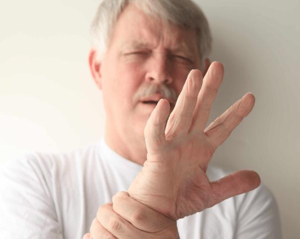经常感觉手麻木疼痛 预示着疾病的发生