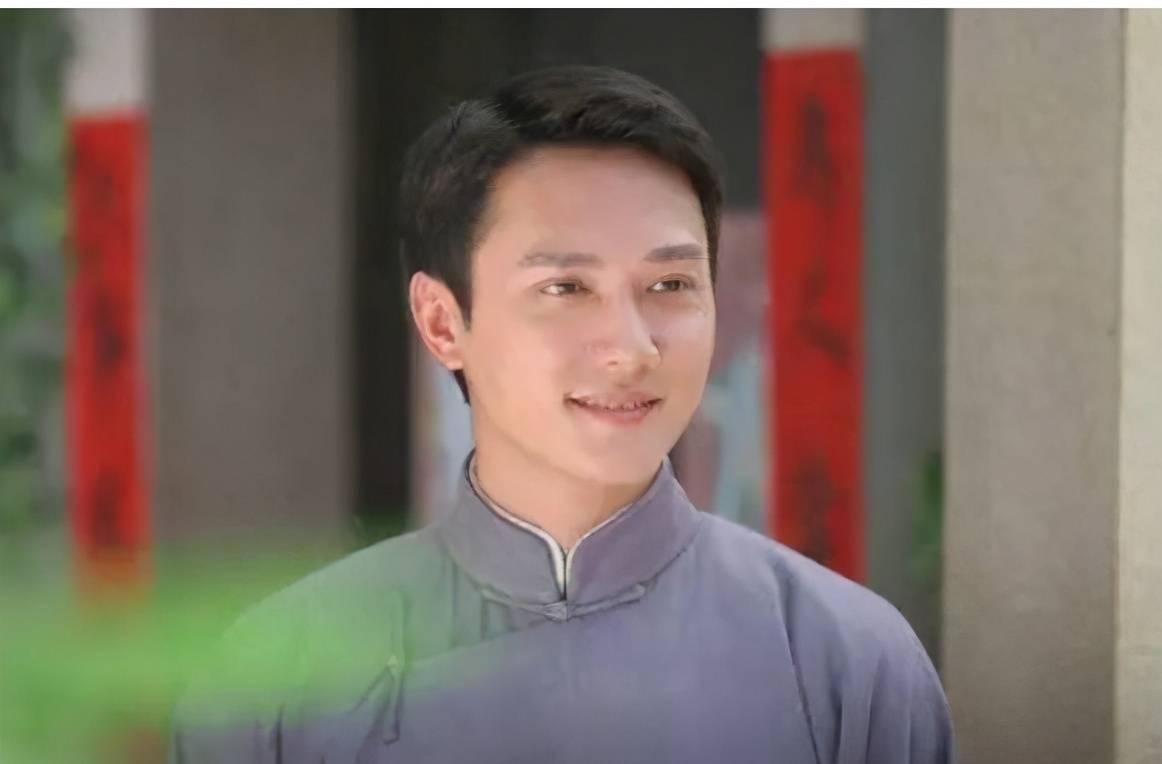 冯绍峰在娱乐圈人脉有多差?生日无明星送祝福,仅妻子赵丽颖互动
