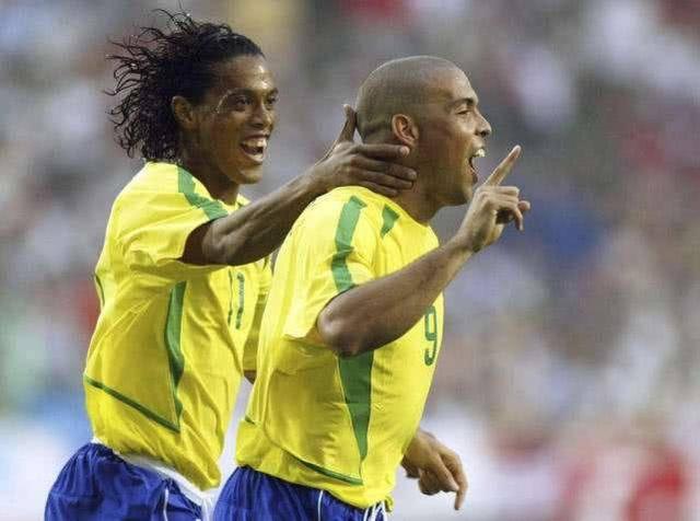 两位南美球星:十年前邓加没选罗纳尔多,让巴西队陷入人才匮乏期