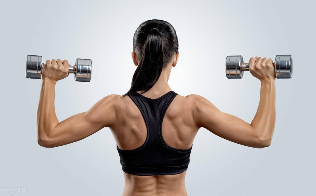 女孩为什么要练背?一组背部训练,帮你雕刻紧致纤薄的美背!
