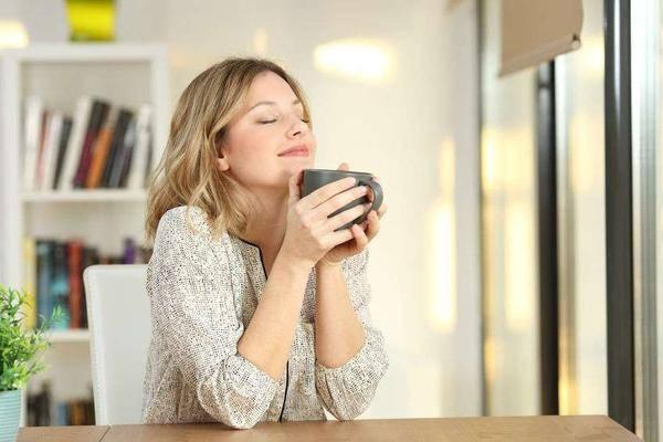 一天什么时候,最应该喝水?提醒:3个时间段,喝对了就是在养命