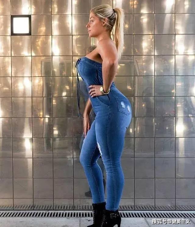 160斤大号健身女神独爱深蹲翘臀,违规身材曲线媲美卡戴珊!