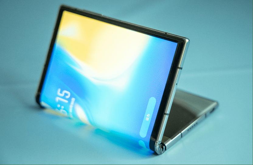 原创            折叠屏手机从实验性走向实用化的标志性产品——柔宇FlexPai 2