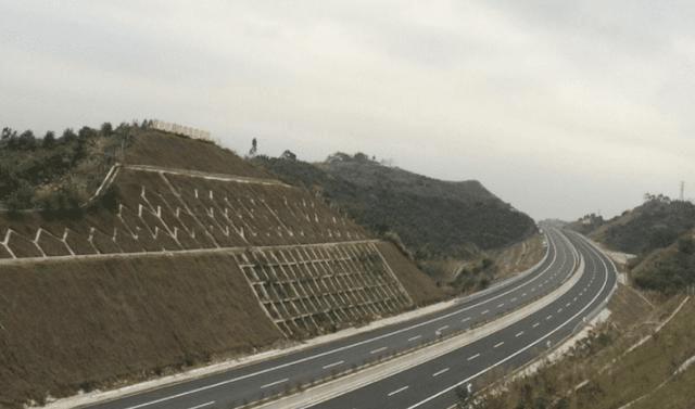 河南修建的新高速,高达一百多亿,经过你的家乡吗