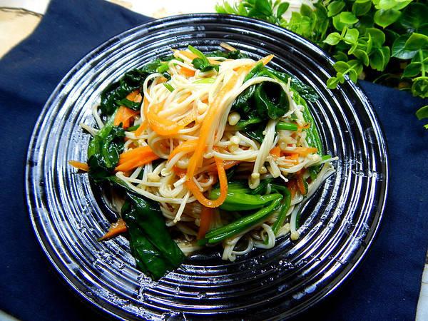 无论你是有多懒,但这2种蔬菜也要焯水啊,吃了可能会伤身!