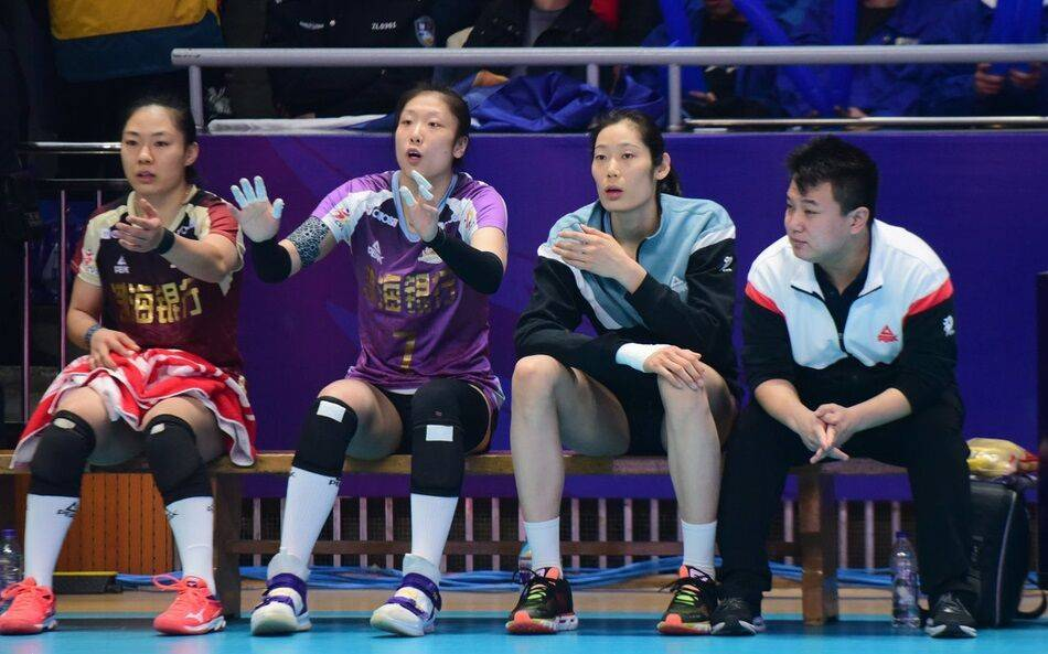 女排公益赛朱婷休战姚迪回归天津3-1山东高比分30-32