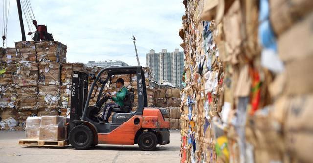 纸伙计废品回收;富人垄断经济后,穷人已无法翻身?互联网+回收,最后的捷径