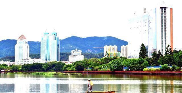 福州人均gdp_福州三坊七巷图片