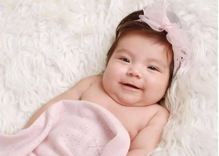 宝宝|不会说话也不妨碍表达,看懂后带娃更轻松婴儿四个肢体语言