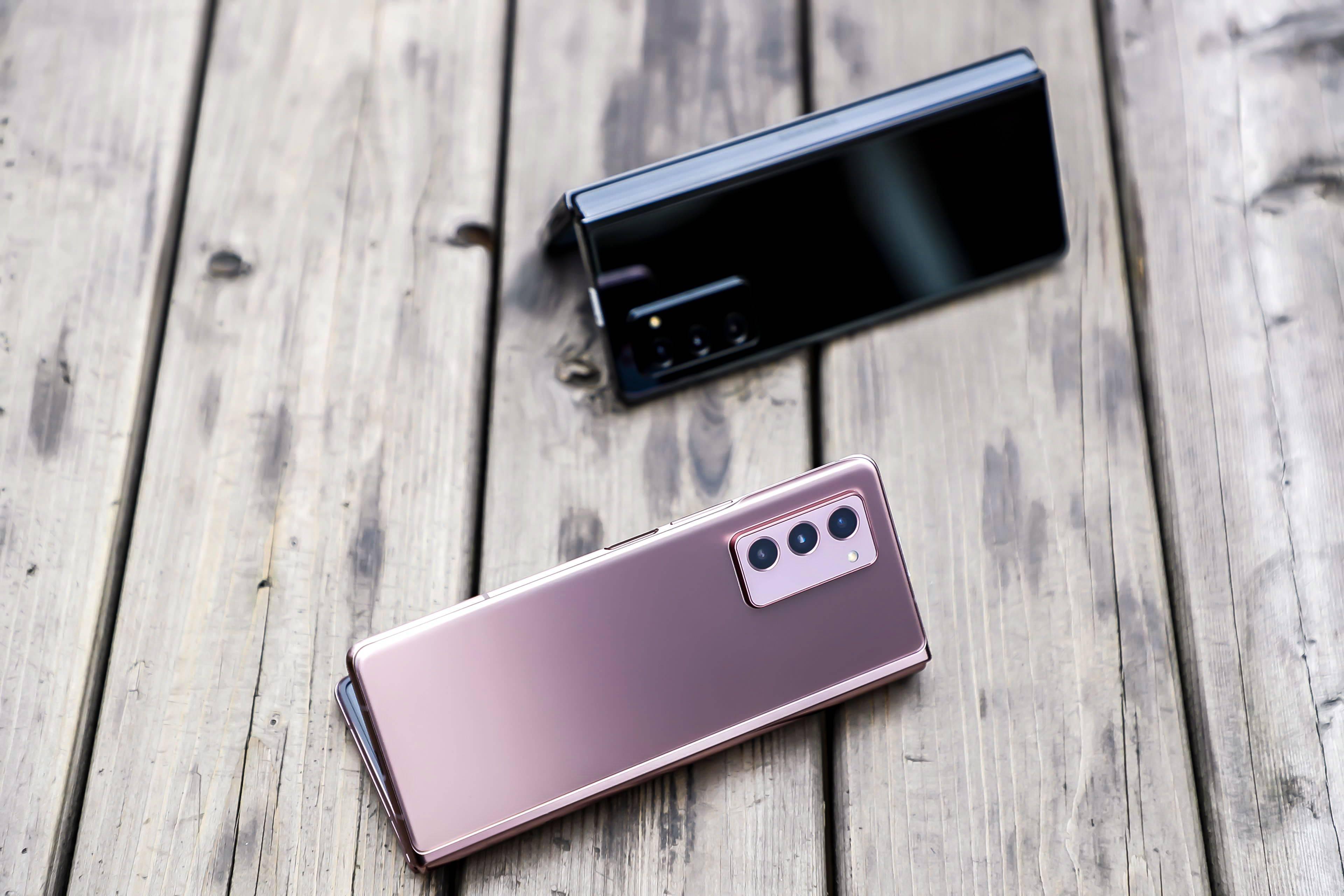 原创            三星Galaxy Z Fold2 5G:折叠屏从此走入成熟时代