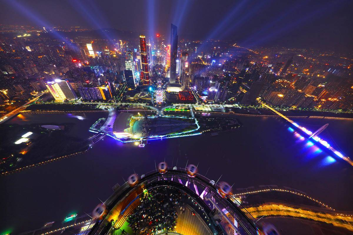 """广东的gdp_""""粤老大""""""""苏大强""""GDP领跑,但居民最有钱的是这两地"""
