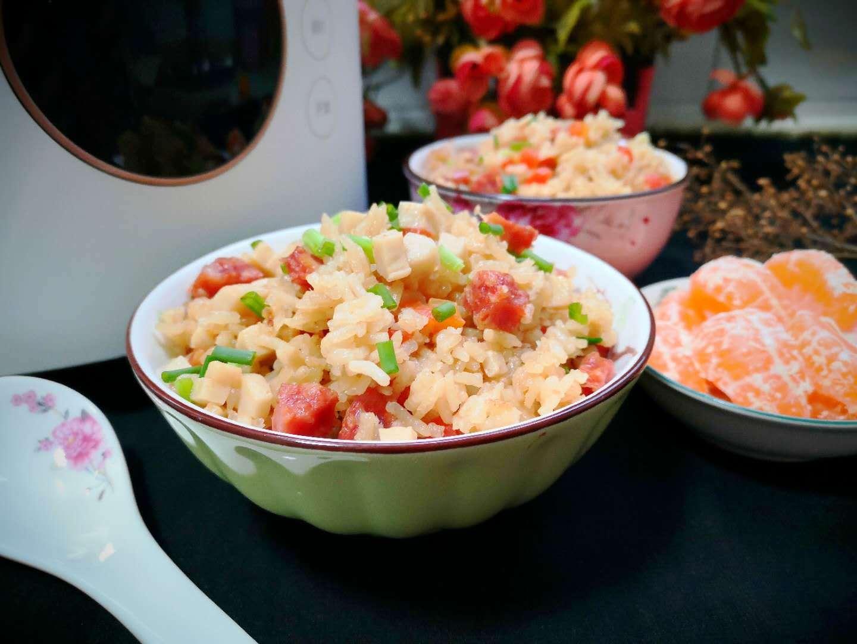 天气寒冷,给家人做一碗热腾腾的焖饭,一人一碗吃不够,太香了!