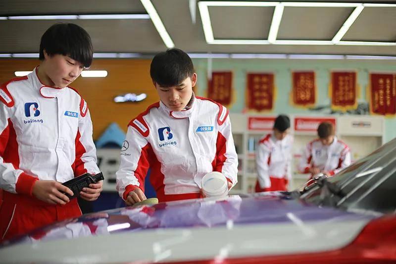 """想在汽车美容领域创业当老板 这些焦点技术学习很重要!""""鸭脖娱乐app"""""""