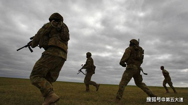 俄罗斯出手,大批精锐接管亚美尼亚边境,阻止阿军方不得越界半步