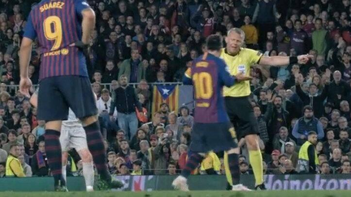 纪录片宣布裁判与梅西对话:你需要向我表明尊重