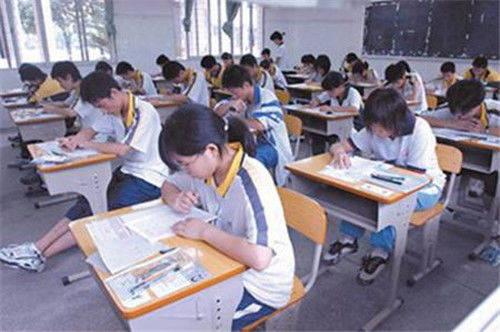 高考史上最难数学题,全国平均26分,老教授看了摇头:这题超纲了