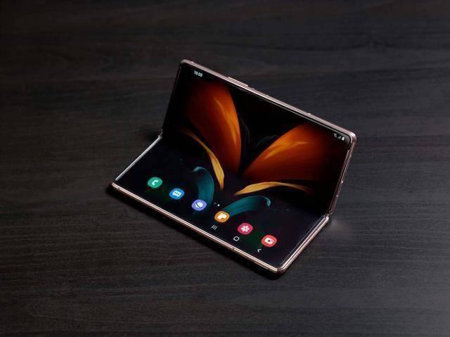 【消息称 Galaxy Z Fold3 将成为三星首款屏下摄像头手机】