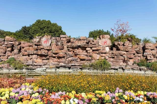 嘉兴原南湖不仅是红色旅游目的地,也是长江以