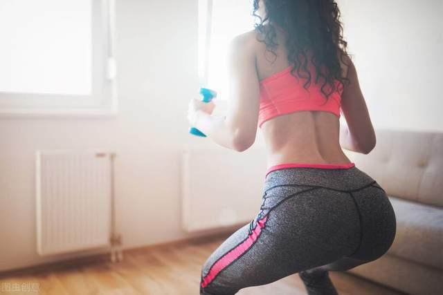 怎么让臀部变得浑圆、饱满?这个动作帮你强化臀中肌