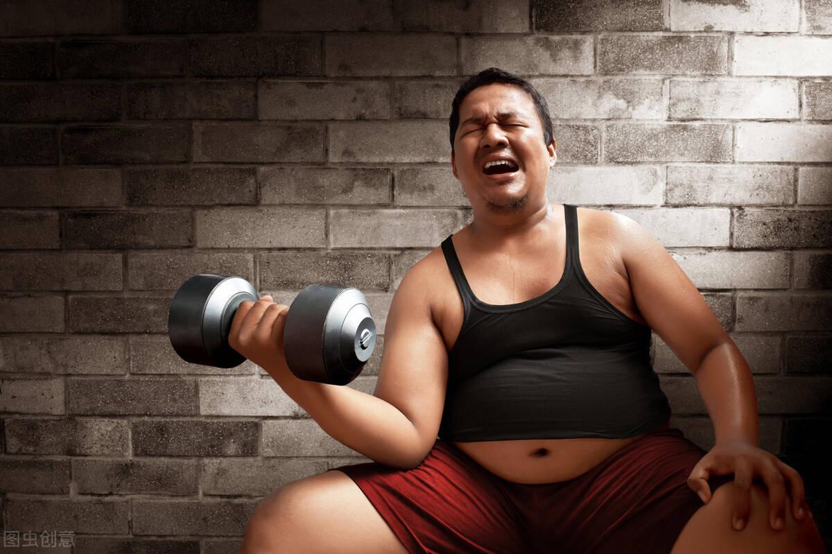 俯卧撑训练有什么好处?怎么进行俯卧撑锻炼胸肌?