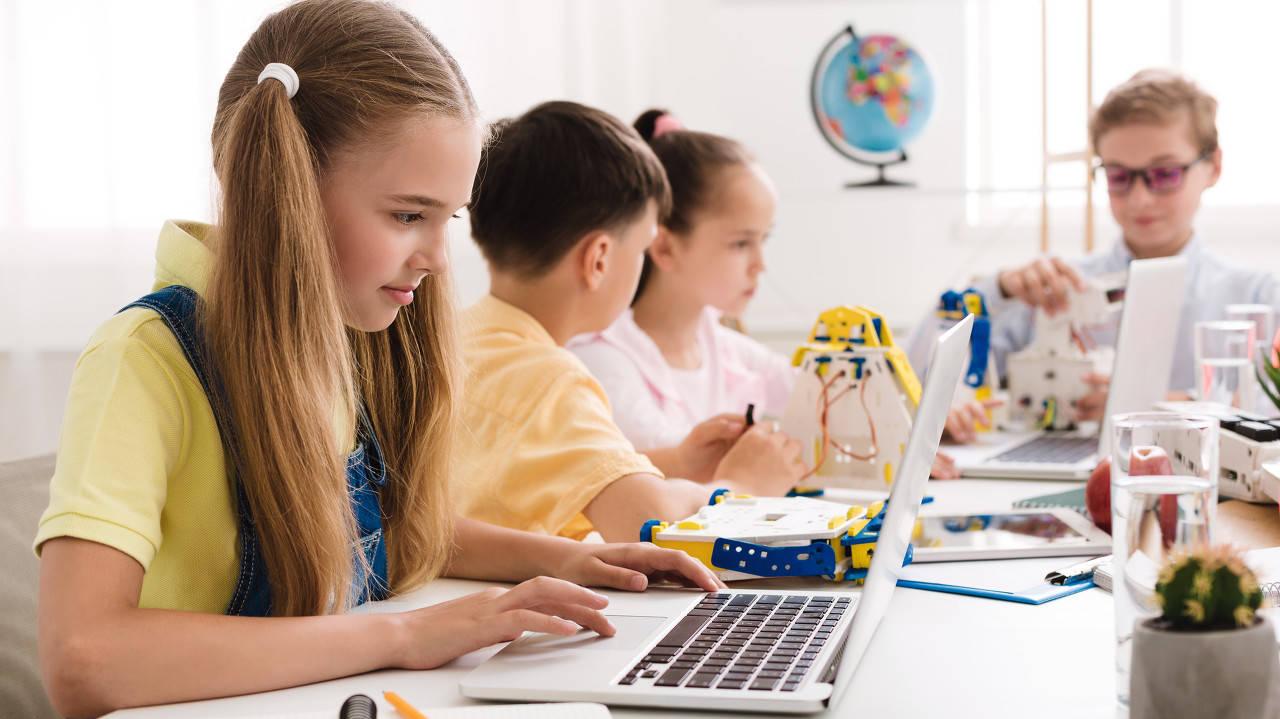 布局素质教育 教育巨头为何能迅速