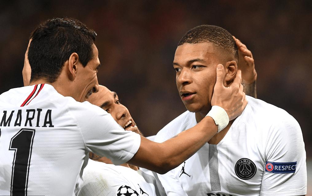 曼联VS巴黎ROUND1:巴黎2-0击败曼联姆巴佩制胜