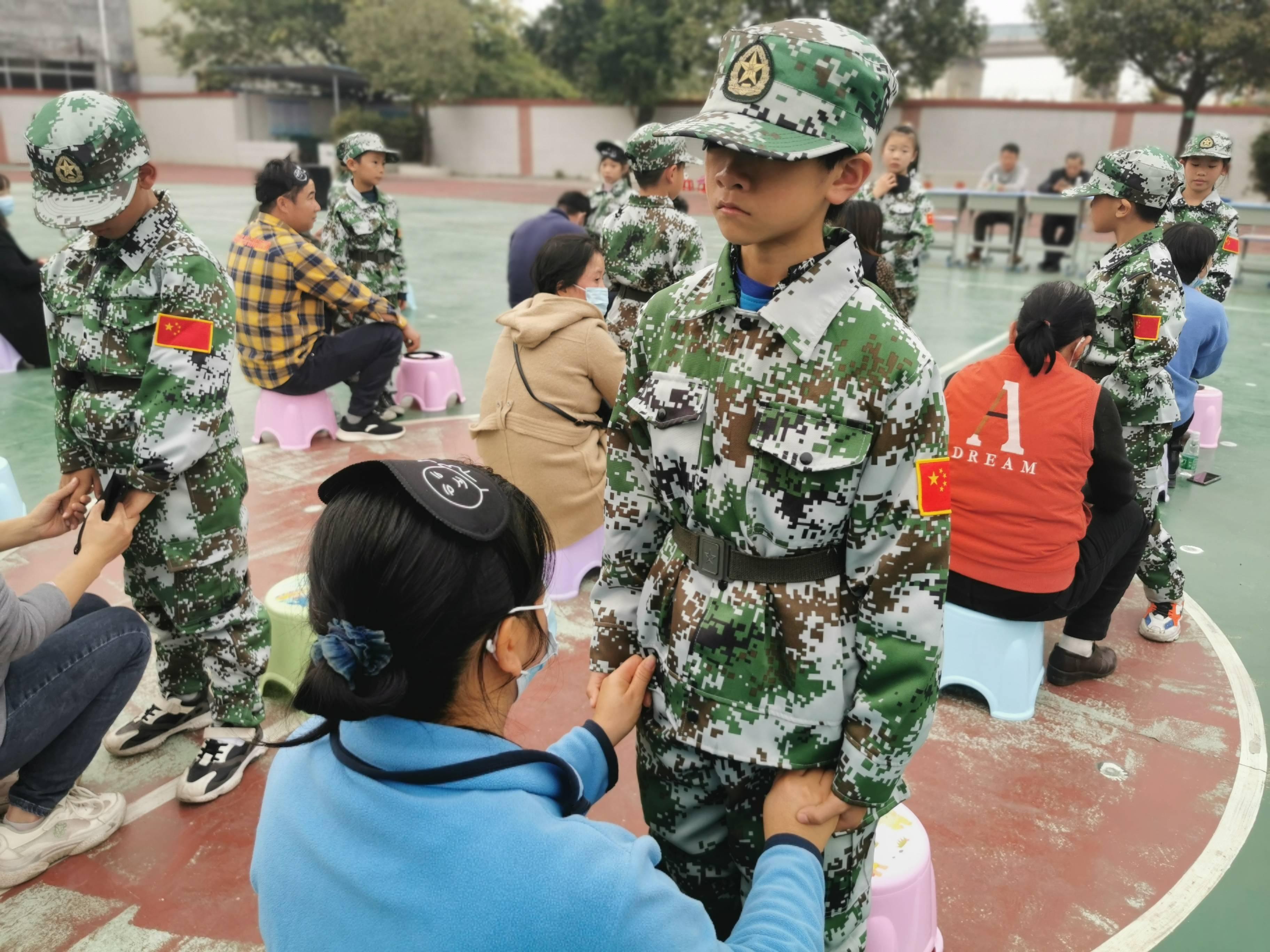 国防小记者感恩活动在广州白沙校进行(图5)