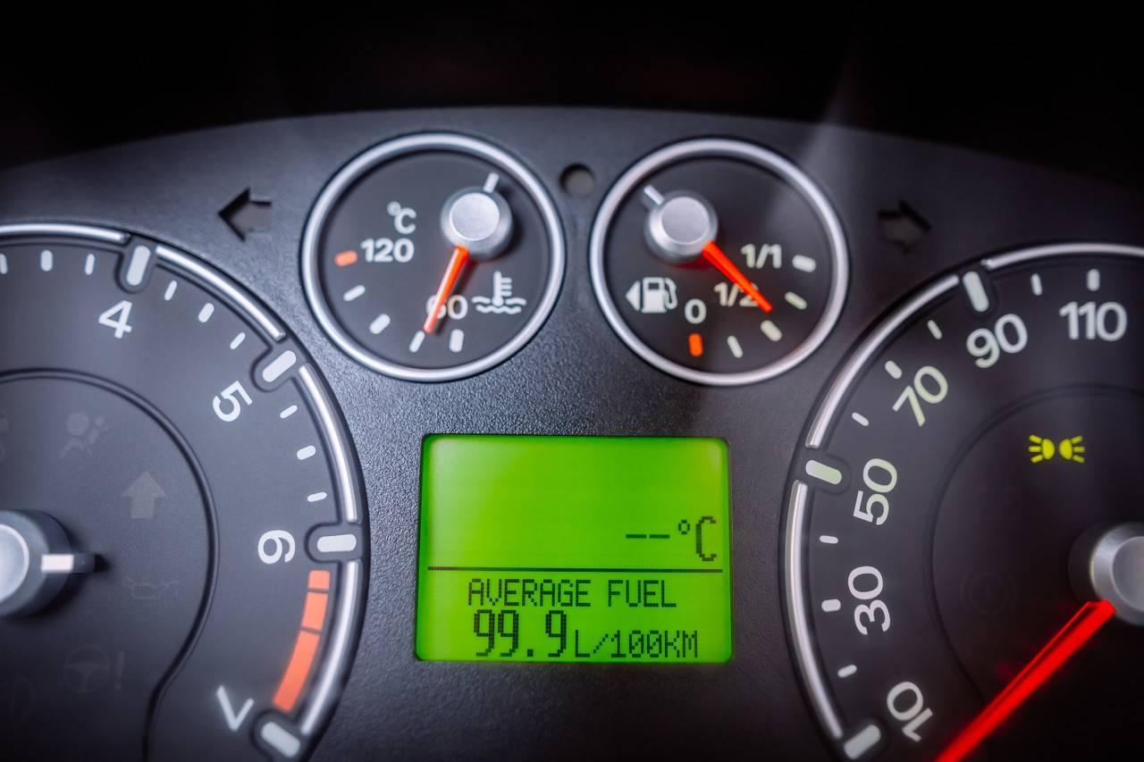 原WEY推混系统外观堪比路虎,油耗只有2.3L