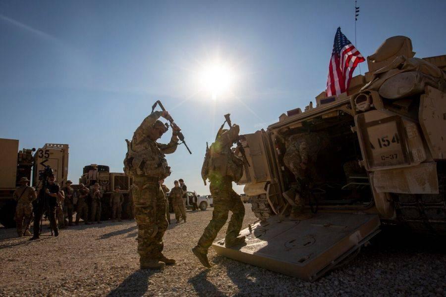 """美国为何赖在叙利亚就是不走?以保护油田为名,""""偷油""""赚了大钱"""