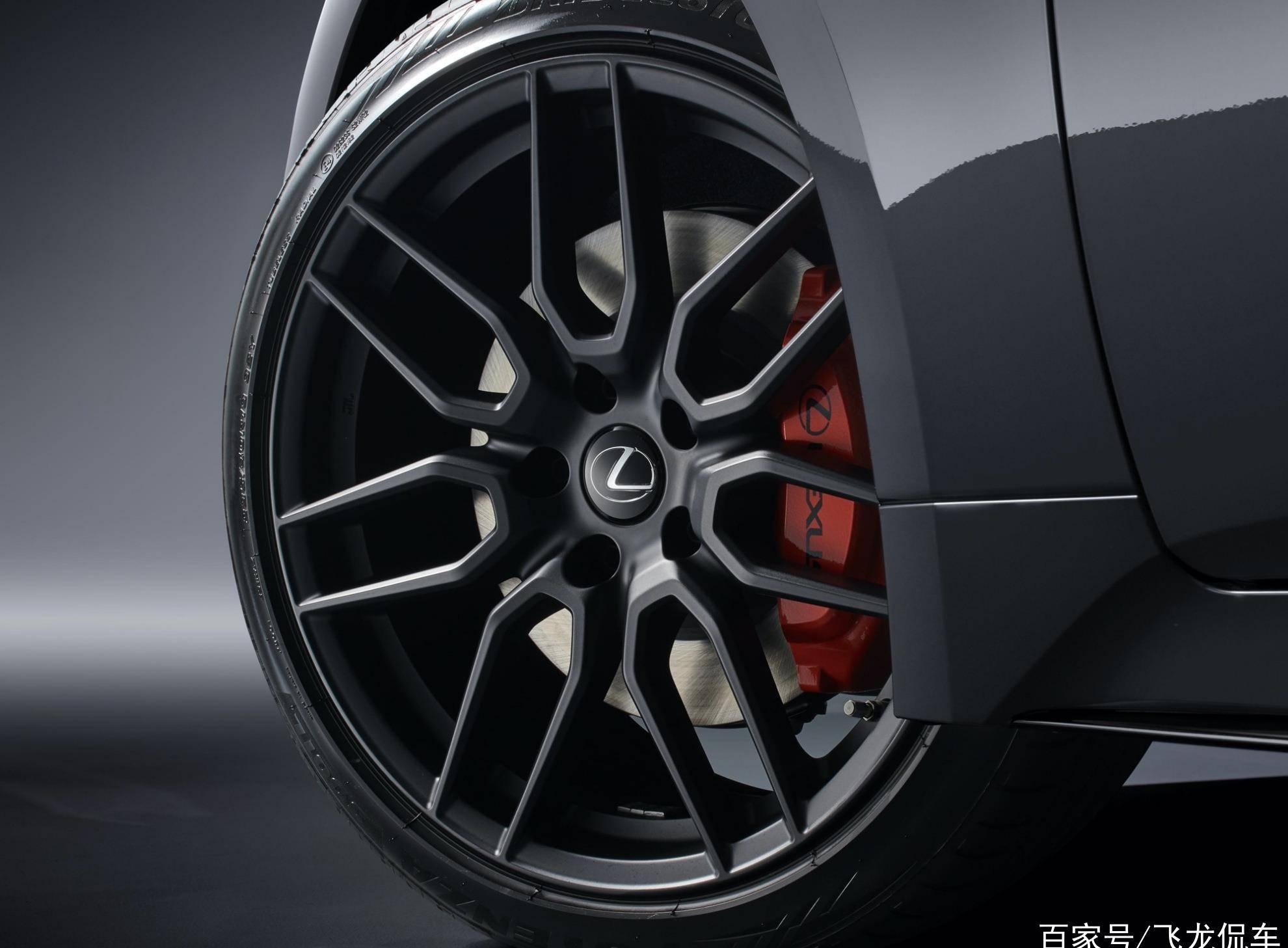 最初的maverick coupe配备了V6双增压发动机,节气门420马力,价值很高